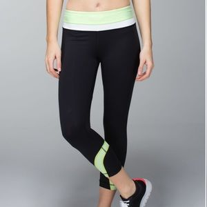 Lululemon Run: Inspire Crop II Black / Mint White